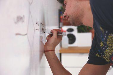 whiteboard-849815_1920